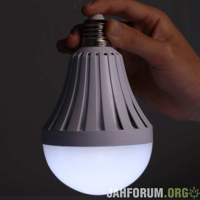 Smart-LED.jpg_640x640.jpg.4b5b8d2421e94fa9c78a990d0c14fa0e.jpg