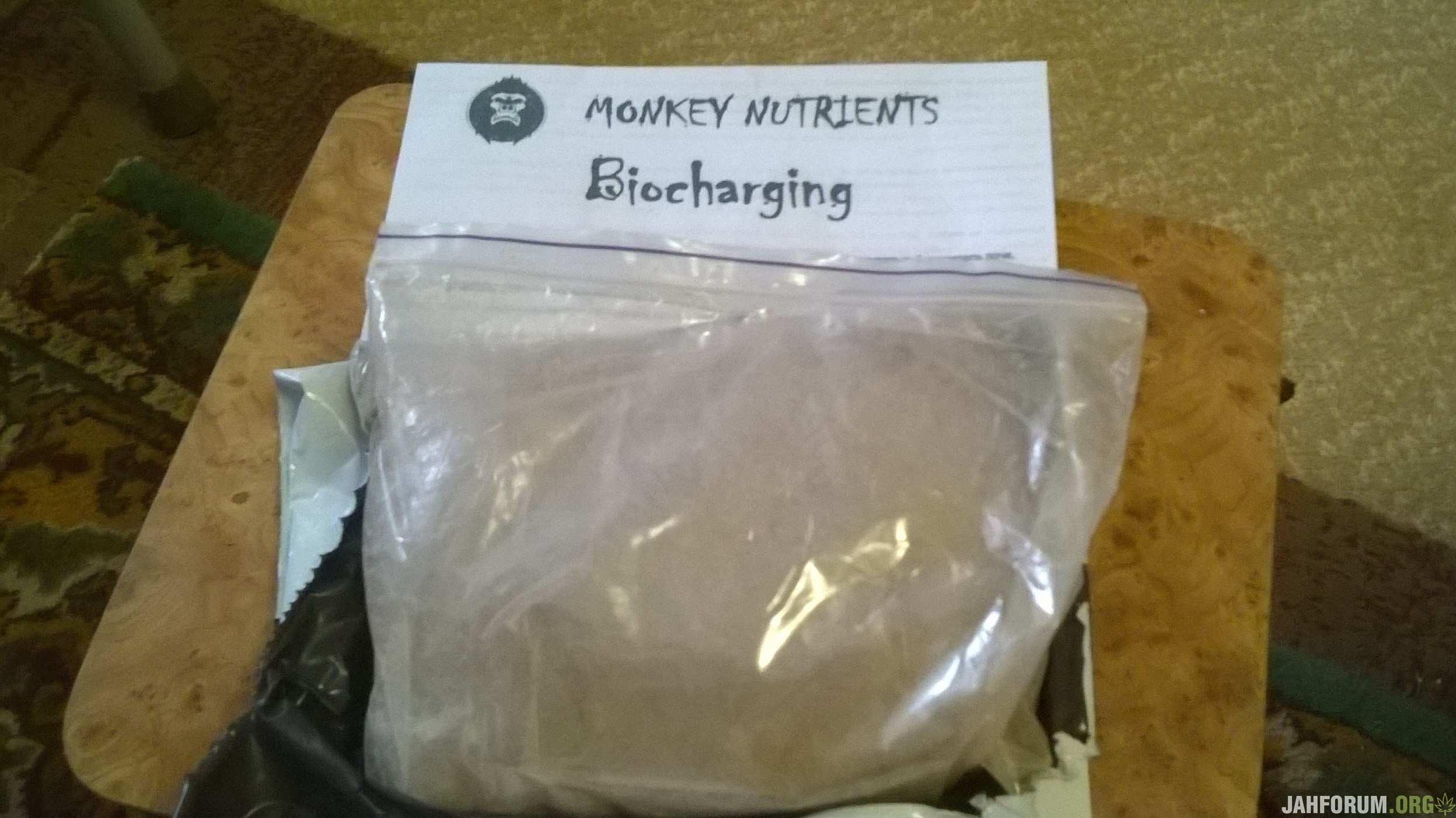 Тест удобрений от MONKEY NUTRIENTS Biocharging.